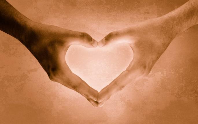 AAA-heart-hands