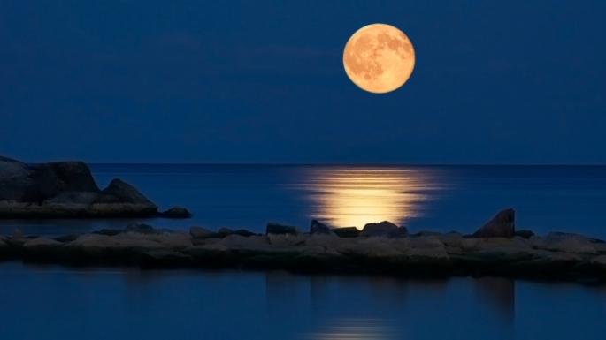 full-moon-beach