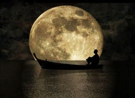 full moon boat